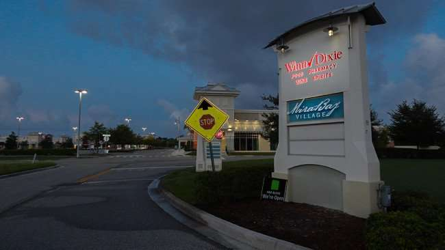 AUGUST 7, 2015 - Singage for MiraBay Village Winn-Dixie, Apollo Beach SouthShore, FL/photonews247.com