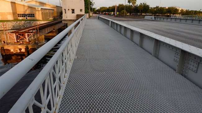 AUG 23, 2015 - Steel grated sidewalk on Cass Street Bridge in Tampa, FL/photonews247.com