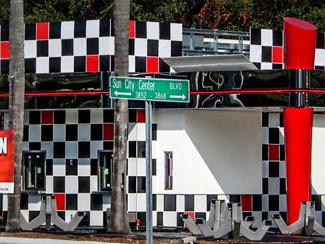 OCT 31, 2015 - Checkers Drive-In Restaurant to reopen on Sun City Center Blvd/photonews247.com