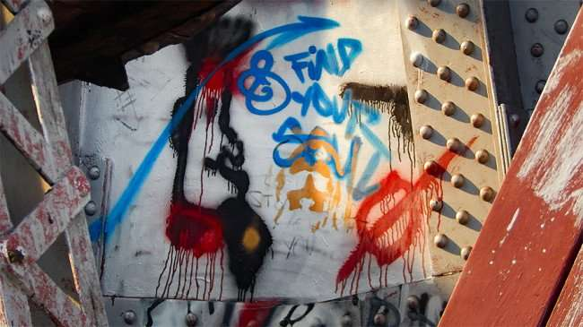 AUG 23, 2015 - Graffiti FIND YOUR SOUL on Cass Street Train Bridge, Tampa, FL/photonews247.com