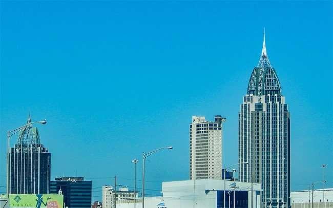 SEPT 13, 2015 - Mobile Alabama Skyscrapers - Renaissance Riverview Plaza Hotel (L) RSA–BankTrust Building (C), RSA Battle House Tower (R)/photonews247.com