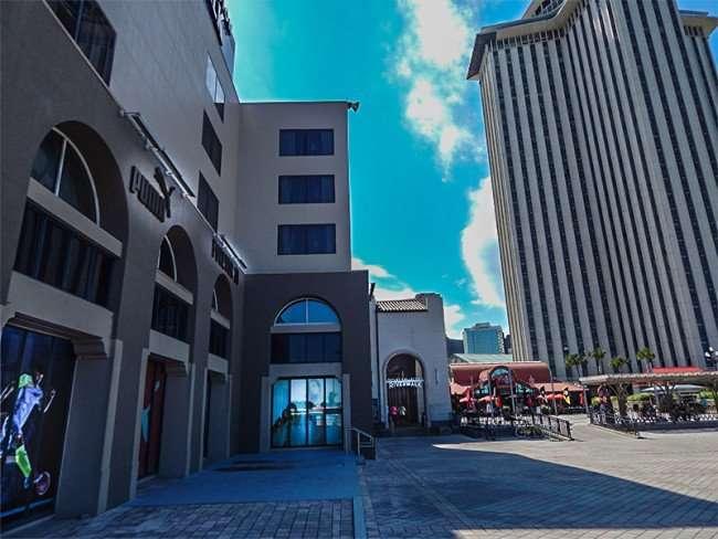 SEPT 14, 2015 - New Orleans Riverwalk Shopping Center Mall next to World Trade Center building/photonews247.com