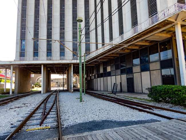 SEPT 14, 2015 - Streetcar tracks at New Orleans World Trade Center building soon to be Four Seasons Hotel/photonews247.com