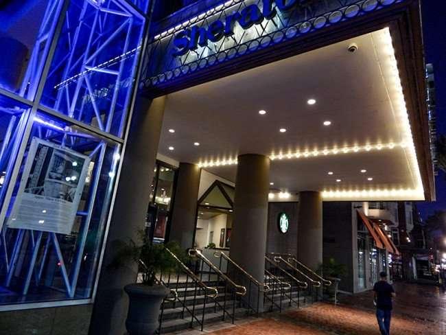 SEPT 14, 2015 - Pelican Bar inside the Sheraton New Orleans hotel from Canal Street/photonews247.com/photonews247.com