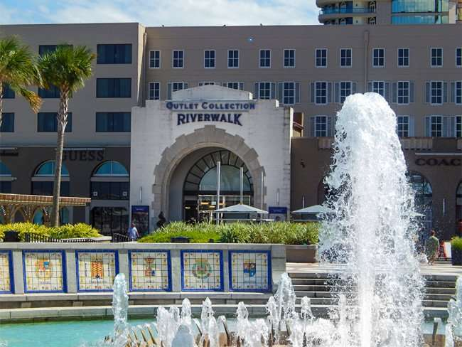 SEPT 14, 2015 - Water fountain in courtyard at Riverwalk Shopping Center in New Orleans, LA/photonews247.com