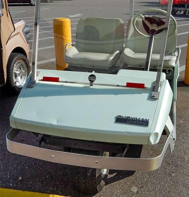 OCT 2, 2015 - 1968 Cushman Golfster Golf cart all original/photonews247.com
