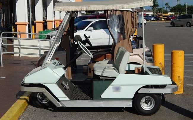 OCT 2, 2015 - 1968 Cushman Golfster series three wheel golf cart all original/photonews247.com
