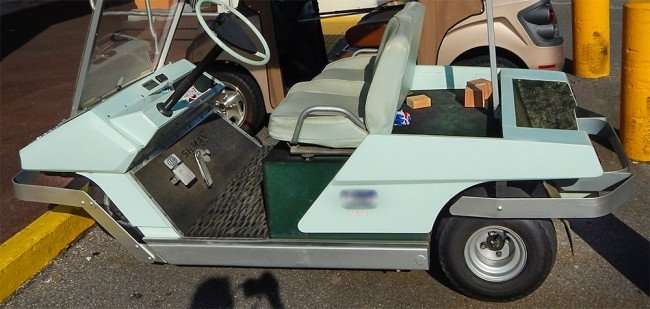 OCT 2, 2015 - 1968 Cushman three wheel golf cart with round steering wheel all original/photonews247.com