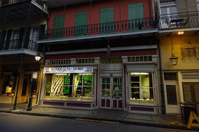 SEPT 14, 2015 - Antique Guns and Swords Cohen and Sons, Royal Street, New Orleans, LA/photonews247.com