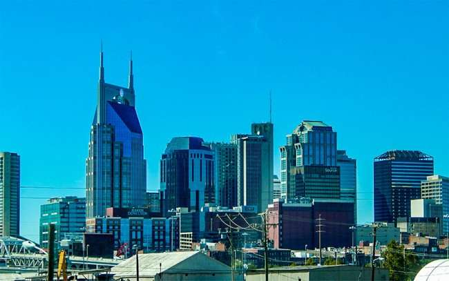 OCT 6, 2015 - Batman (ATT) building with two tall antennas that look like horns in Nashville TN/photonews247.com