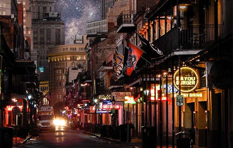 SEPT 14, 2015 - Bayou Burger Sports Bar features balcony dining, Bourbon Street, New Orleans, LA/photonews247.com