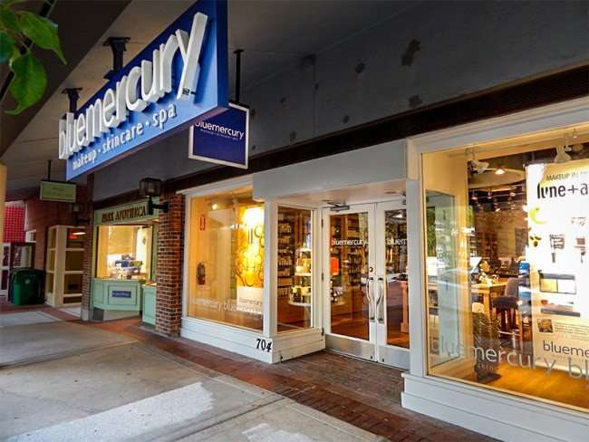 NOV 8, 2015 - Bluemercury makeup & spa from sidewalk in Hyde Park Village, Tampa, FL/photonews247.com