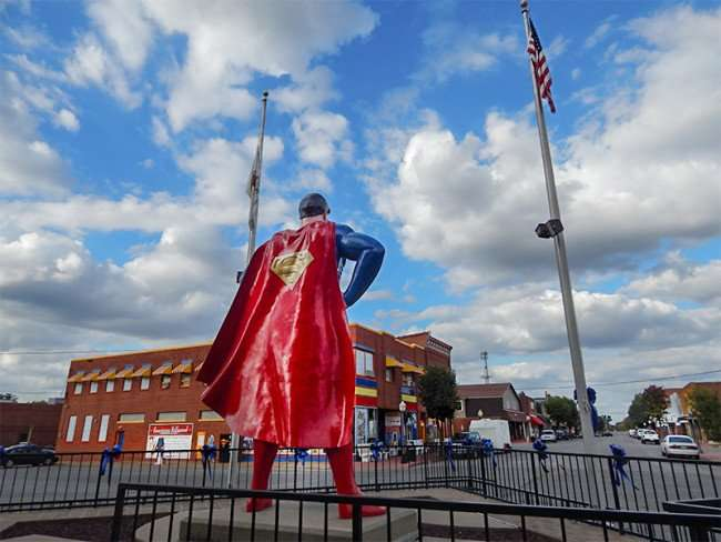 OCT 6, 2015 - Giant 15 ft. bronze statue of Superman looking down Market St in Superman Square in Metropolis, Illinois/photonews247.com
