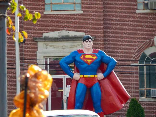 OCT 6, 2015 - Giant Superman statue memorial looking over Market Street in Metropolis, Illinois/photonews247.com