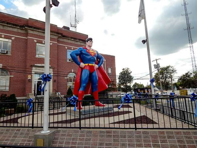 OCT 6, 2015 - Giant Superman statue right side in Metropolis, Illinois/photonews247.com