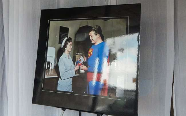 OCT 6, 2015 - Lois Lane and Superman in photo at Debbies Eclectic Emporium on Market St, Metropolis, Illinois/photonews247.com