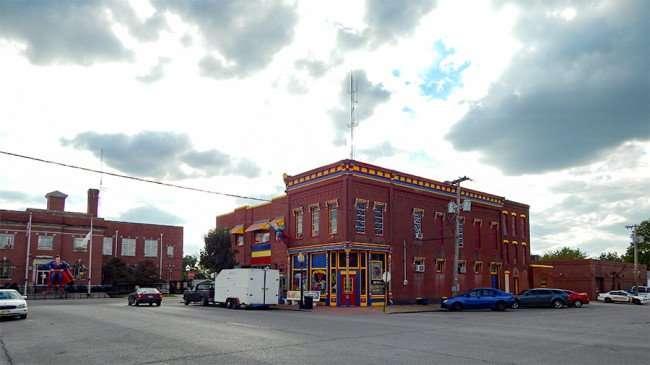 OCT 6, 2015 - Superman looking down Market Street in Metropolis, Illinois/photonews247.com
