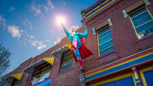 Feb 27, 2017 - Superman taking flight on building in Metropolis, IL/photonews247.com