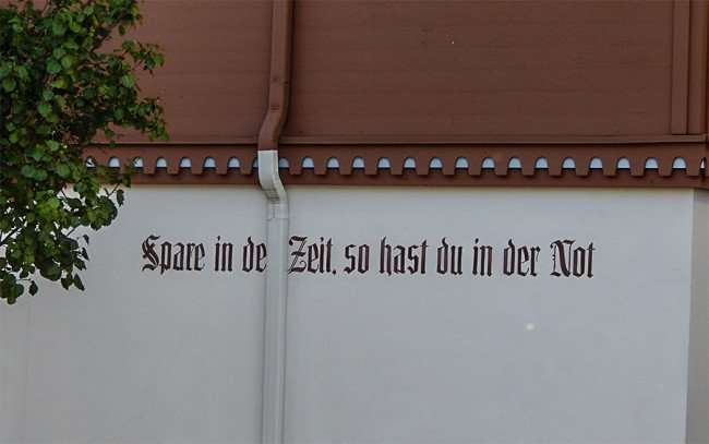 OCT 10, 2015 - Written in German on Bank of New Glarus Spare in de Zeit, so hast du in der not that roughly translates to Save now so you have later/photonews247.com
