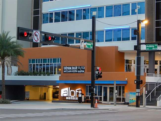 NOV 15, 2015 - aLoft Hotel features music by Denim Blue and Miclain Keith on Kennedy Blvd, Tampa, FL/photonews247.com