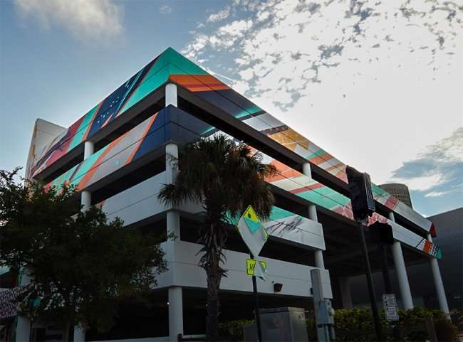 NOV 8, 2015 - Bask & Tes One paint Stay Curious on William F Poe Parking Garage, Tampa, FL/photonews247.com