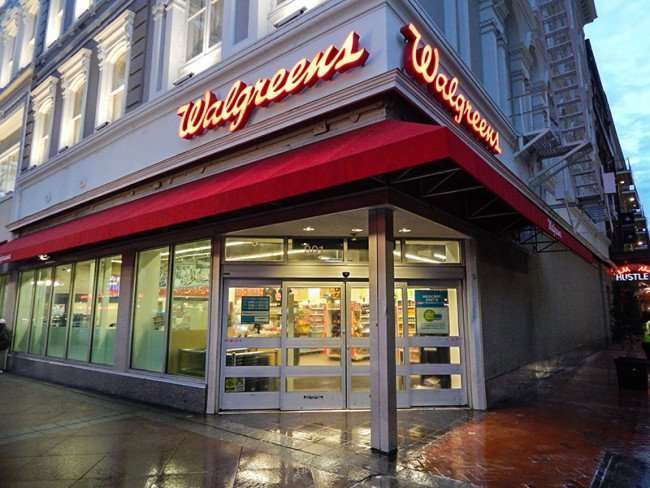 NOV 19, 2015 - Front doors of Walgreens on 801 Canal St, New Orleans, LA 70112/photonews247.com