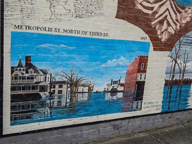 OCT 6, 2015 - Mural depicting flood of 1937 in Metropolis, IL/photonews247.com