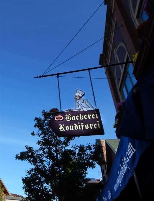 OCT 10, 2015 - New Glarus Bakery Bäckerei on 1st Street/photonews247.com