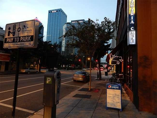 NOV 15, 2015 - Samaria Cafe Restaurant free parking at meters in Sundays in Tampa, FL/photonews247.com