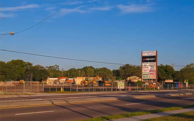 Dec 27, 2015 - Shoppes of South Dale construction site on S Dale Mabry, Tampa, FL/photonews247.com