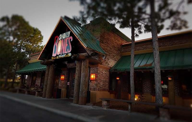 NOV 26, 2015 - Smokey Bones Bar & Fire Grill Brandon closed on Brandon Town Center next to Brandon Mall/photonews247.com