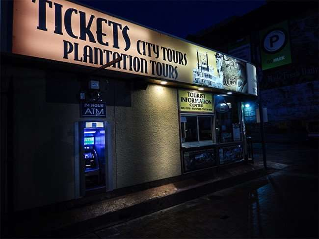 NOV 19, 2015 - TICKETS sold for City Tours, Plantation Tours in shop located on Canal St, New Orleans, LA/photonews247.com