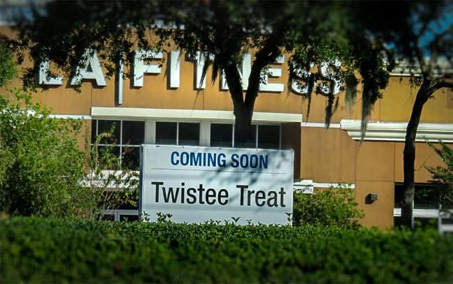 DEC 13, 2015 - Twistee Treat ice cream shop coming to Brandon Blvd Shoppes in Valrico, FL/photonews247.com
