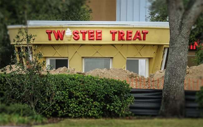 Jan 10, 2016 - Twistee Treat ice cream shop in Brandon Blvd Shoppes strip mall in Valrico, FL/photonews247.com