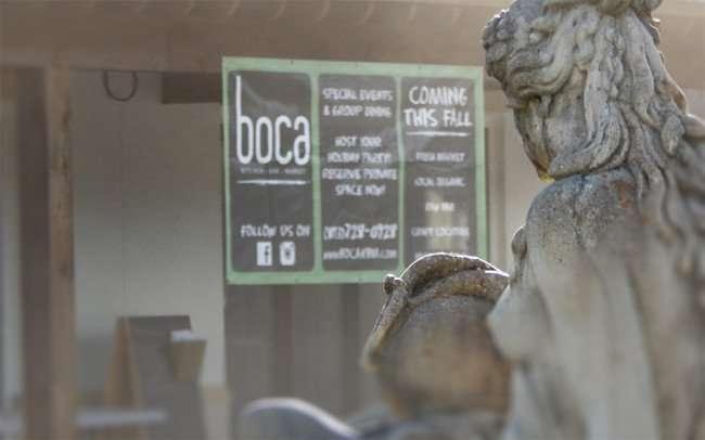 NOV 10, 2015 - boca kitchen bar market with statue of women in Riverview, FL/photonews247.com