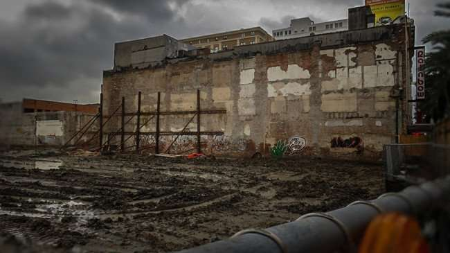 Dec 32, 2015 - 1031 Canal apartment construction on Canal Street in New Orleans, LA/photonews247.com