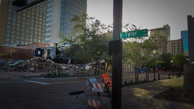 Dec 27, 2015 - Demolition of building on corner of Tyler and 915 Franklin Streets in Tampa, FL/photonews247.com