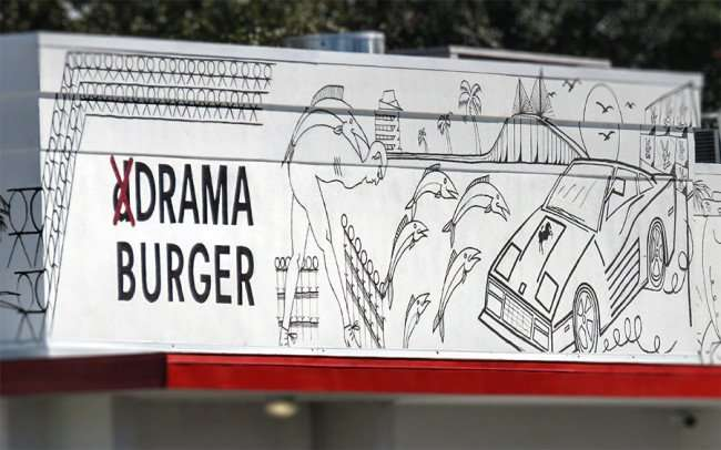 Jan 29, 2016 - Drama Burger with art on facade of building by David Schiesser on Kennedy Blvd, South Tampa, FL/photonews247.com