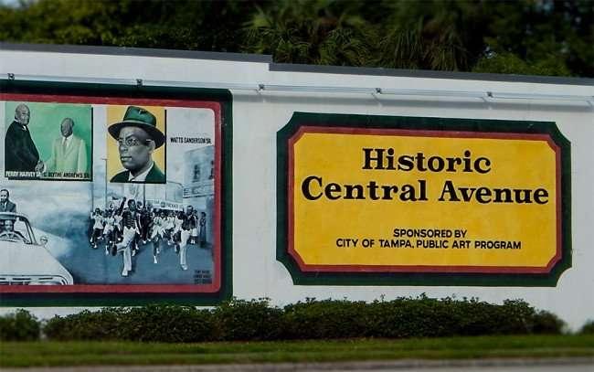 NOV 8, 2015 - Historic Center Avenue sponsored by City Of Tampa, Public Art Program/photonews247.com