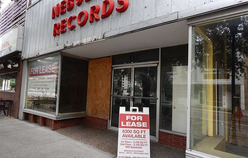 NOV 15, 2015 - Nebulas Records closes on Franklin Street, Tampa, FL now leasing for retail or restaurant/photonews247.com