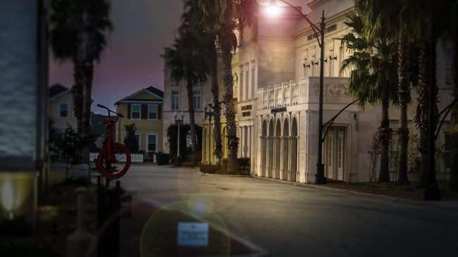 11.19.2016 - Winthrop Town Centre bright street light effec Bloomingdale Ave, Riverview, FL/photonews247.com