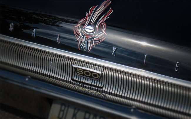 Feb 14, 2016 - 1962 Ford Galaxie 500 trunk with letters that spell GALAXIE with 500 emblem/photonews247.com