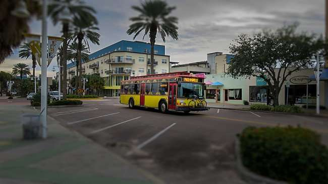 Jan 31, 2016 - Central Avenue Trolley on Central Avenue in the Edge District in St Pete/photonews247.com