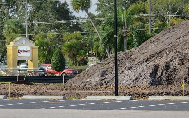 Jan 21, 2016 - Pickleball Courts under construction Kings Point along 674 in Sun City Center, FL/photonews247.com