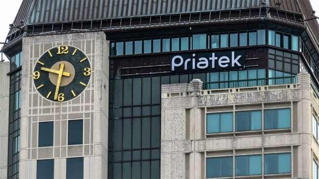 Jan 31, 2016 - Top on Priatek Plaza building St Petersburg, FL/photonews247.com