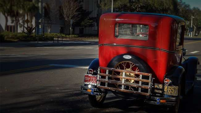 Mar 6, 2016 - 1929 Model A Ford rear view with spoke- spare tire on back, St Pete, FL/photonews247.com