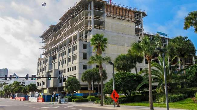 Mar 13, 2016 - Holiday Inn under construction in Clearwater Beach, FL/photonews247.com