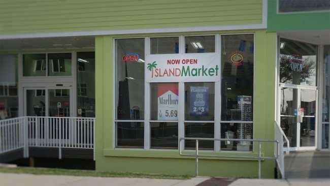 Mar 13, 2016 - Island Market, S Gulfview Blvd, Clearwater Beach, FL/photonews247.com