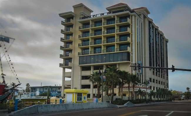 Mar 13, 2016 - Pier House 60 Marina Hotel with 10th fl balcony bar, Clearwater, FL/photonews247.com