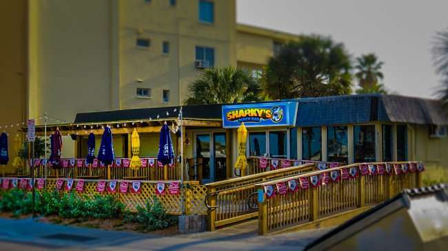 Mar 13, 2016 - Sharky's Beach Bar in Clearwater Beach, FL/photonews247.com